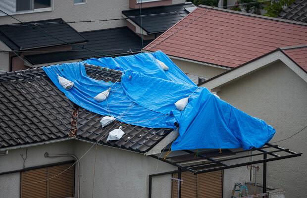 台風被害の家の写真