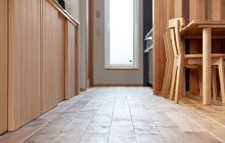 無垢の木の床と建具イメージ画像